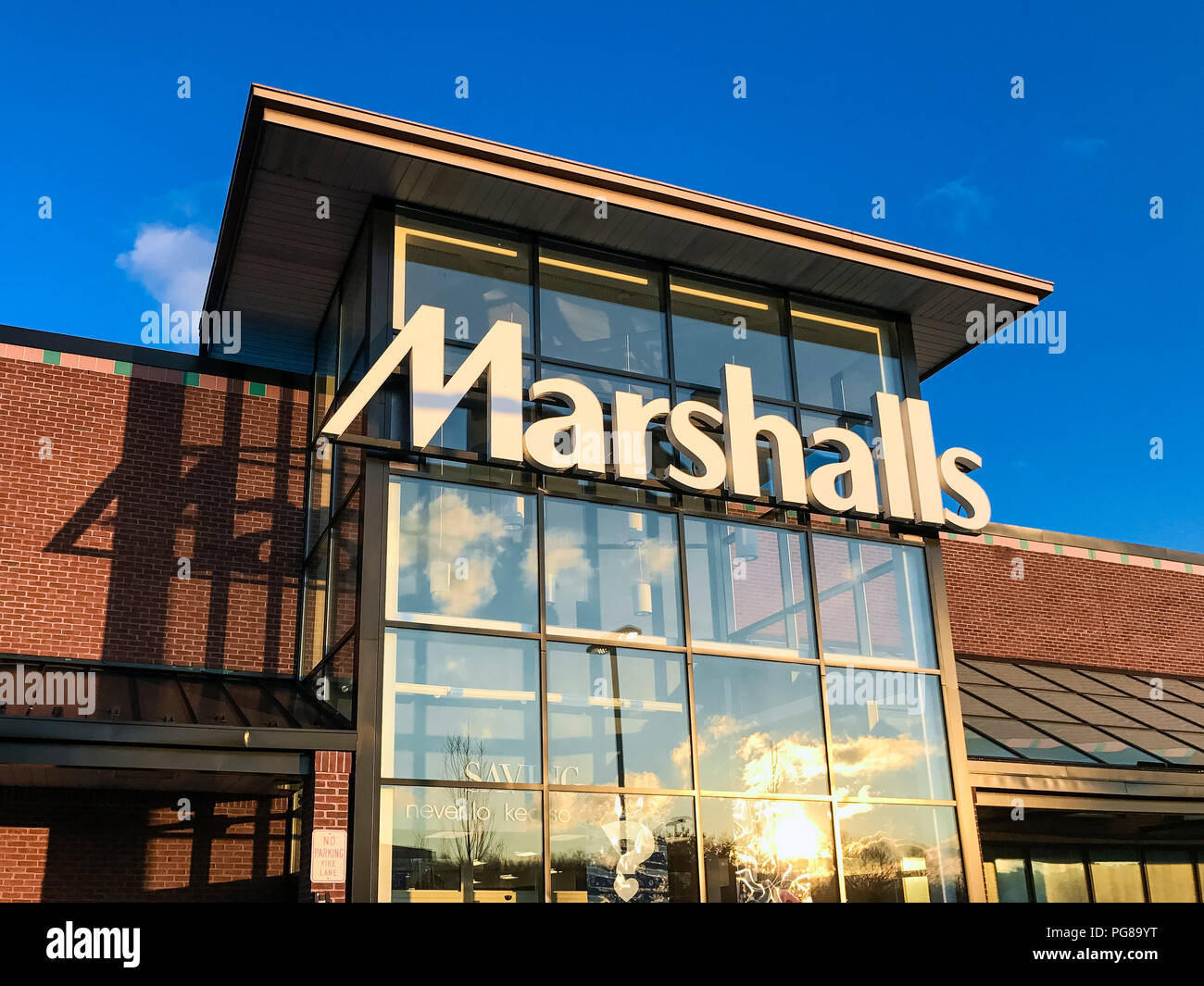 Marshalls discount clothing store. - Stock Image