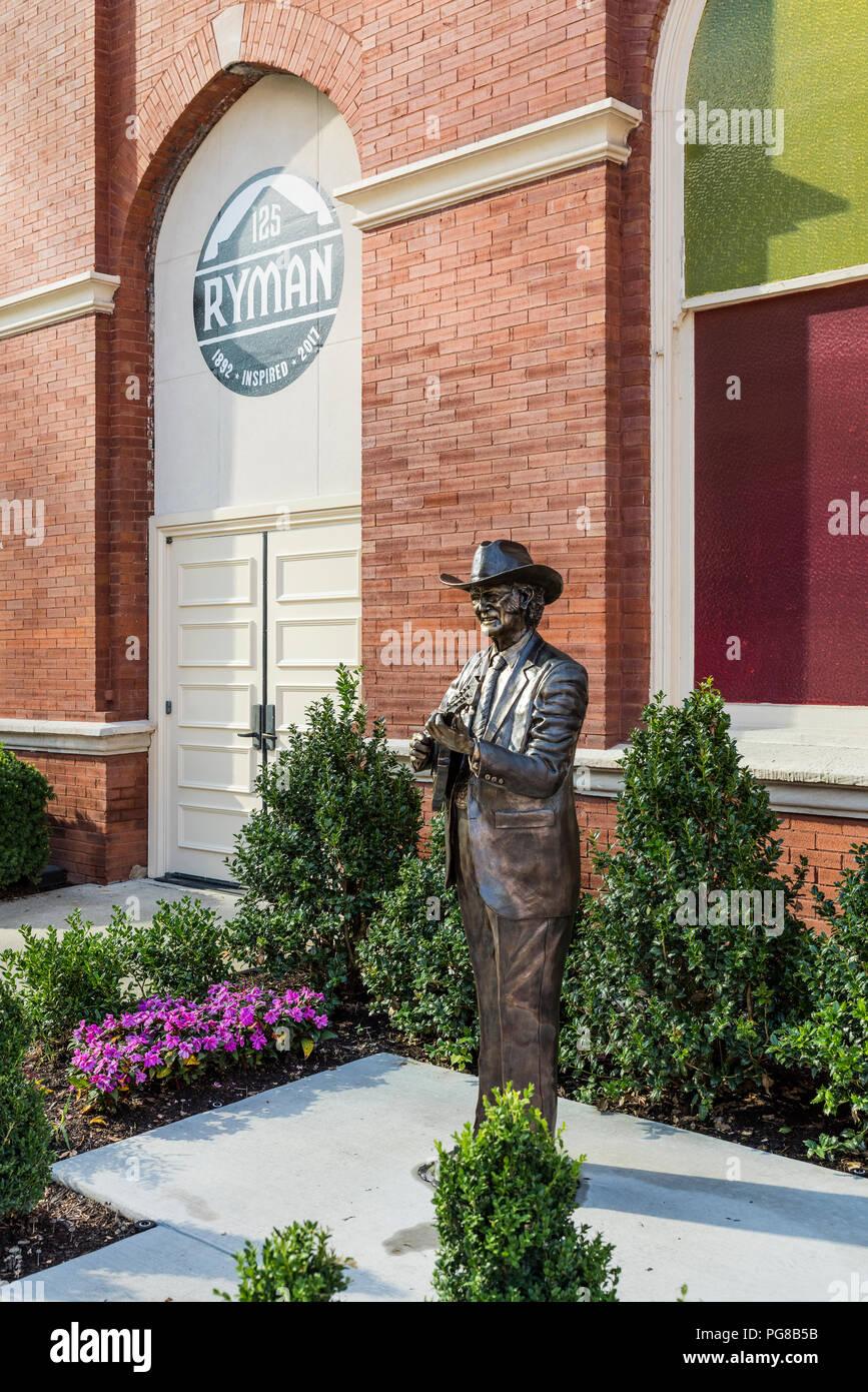 Bluegrass artist Bill Monroe sculpture, Ryman Auditorium, Nashville, Tennessee, USA. - Stock Image