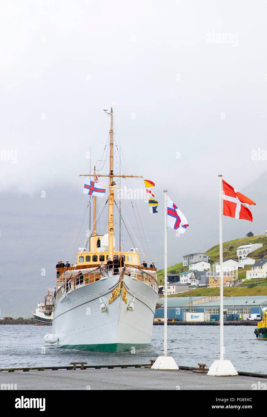 Crown Prince Frederik, Crown Princess Mary, Prince Christian, Princess Isabella, Prince Vincent and Princess Josehpine of Denmark arrive with the The Royal Ship, HDMY Dannebrog at the harbour of Klaksvík, on August 24, 2018, on the 2nd of the 4 days visit to the Faroe Islands Photo : Albert Nieboer/ Netherlands OUT/Point de Vue OUT | - Stock Image