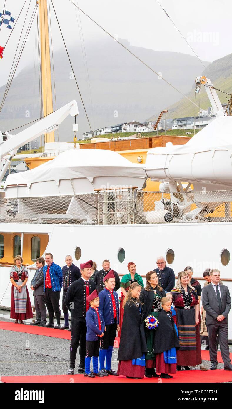 Crown Prince Frederik, Crown Princess Mary, Prince Christian, Princess Isabella, Prince Vincent and Princess Josehpine of Denmark arrive with the The Royal Ship, HDMY Dannebrog at the harbour of Klaksv?k, on August 24, 2018, on the 2nd of the 4 days visit to the Faroe Islands Photo : Albert Nieboer/ Netherlands OUT/Point de Vue OUT | - Stock Image