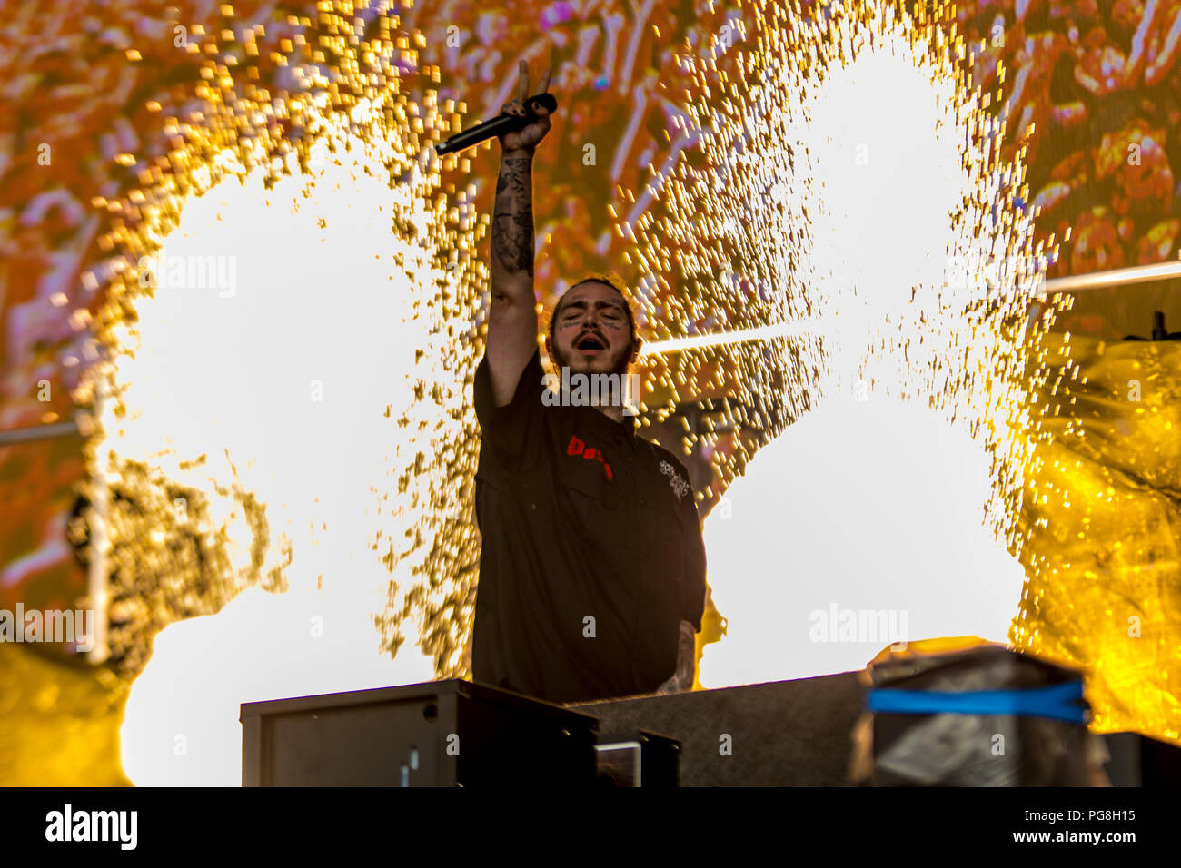 Reading,Berkshire, UK. 24th August 2018. Post Malone on the main stage at Reading Festival 2018. Credit: Jim Houlbrook/Alamy Live News - Stock Image