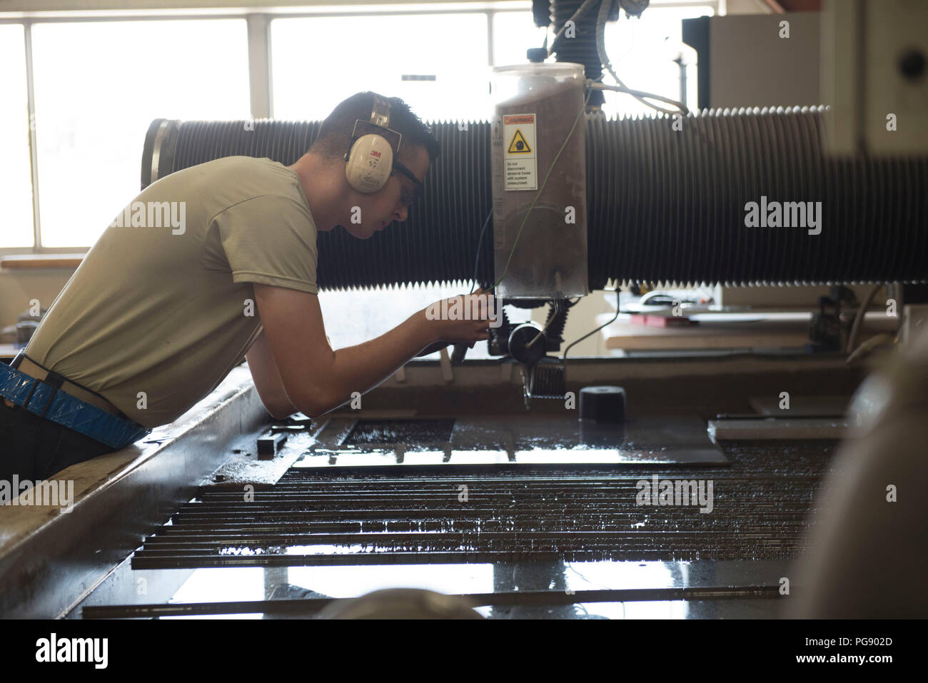 Water Jet Cutting Stock Photos & Water Jet Cutting Stock Images - Alamy