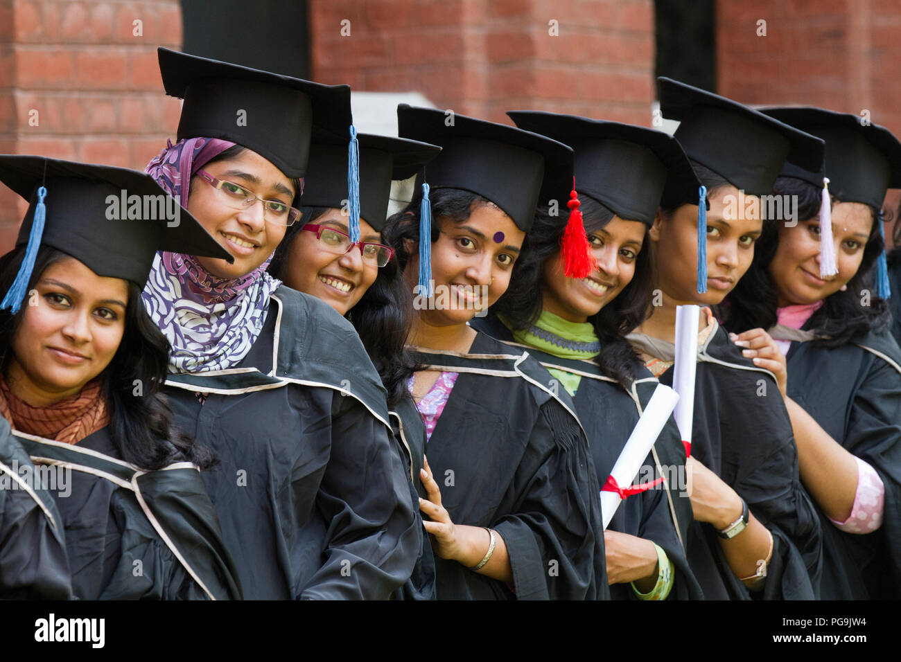 1f82b660f5 A group of graduates gather during the 46th Convocation of the students of Dhaka  University.