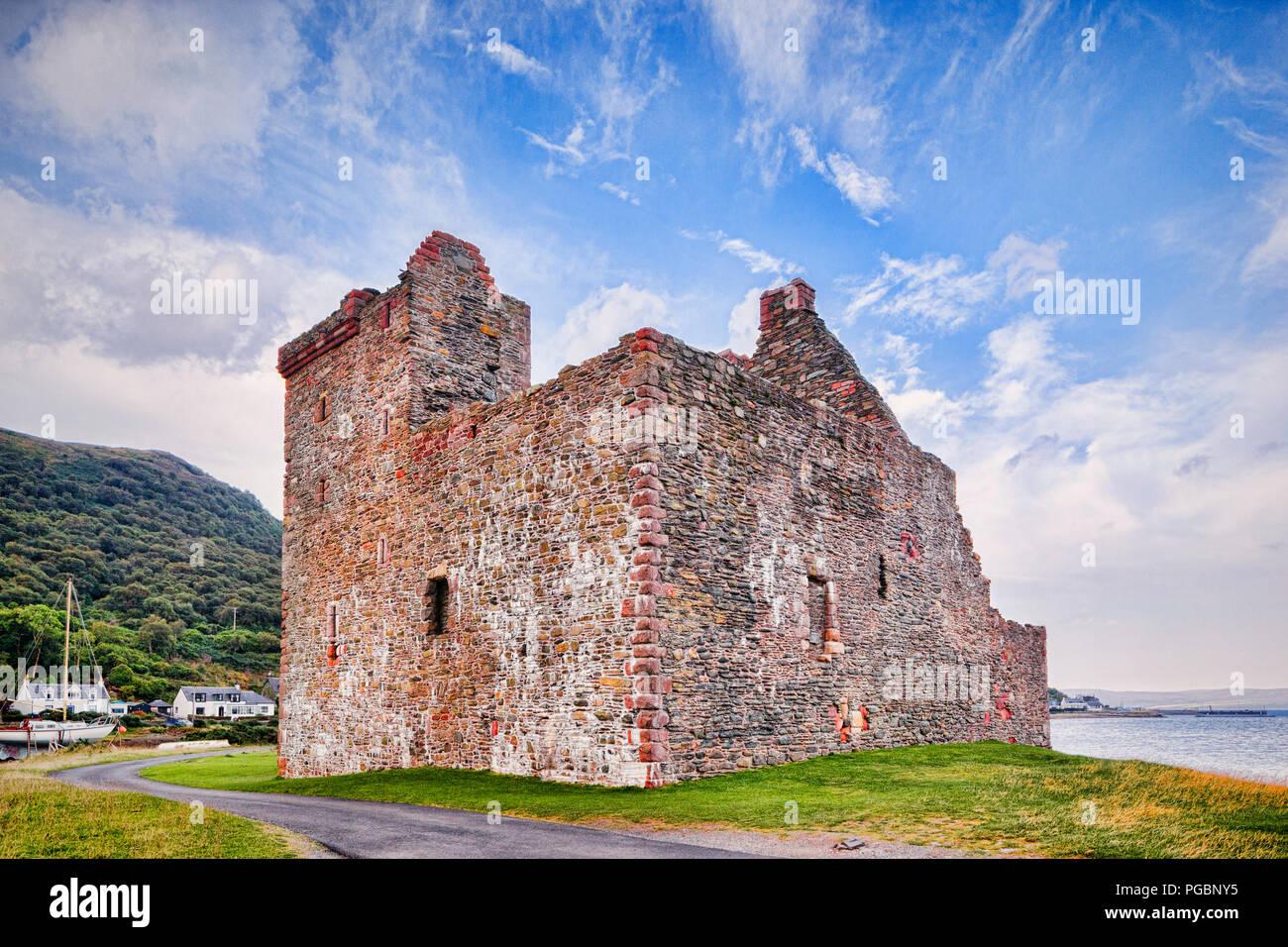 Lochranza Castle on the island of Arran, North Ayrshire, Scotland - Stock Image