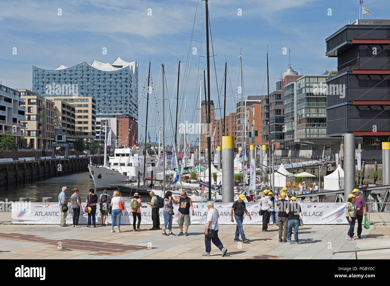 Elbe Philharmonic Hall with Kaiserkai, Sandtorkai and Magellan Terraces, HafenCity (Harbour City), Hamburg, Germany - Stock Image