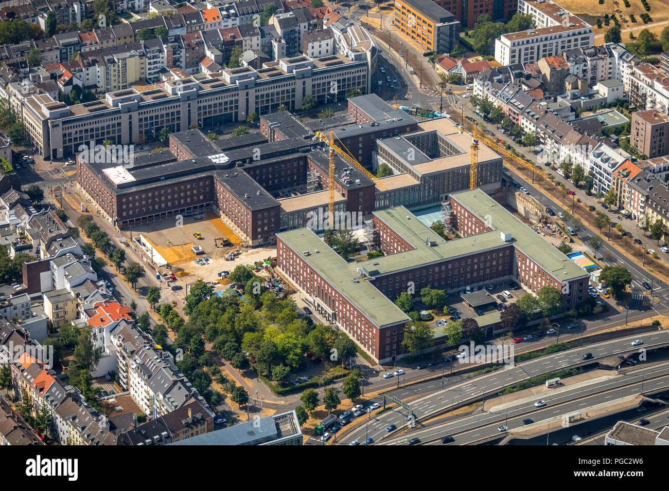 Erweiterung denkmalgeschütztes Polizeipräsidium im Stadtzentrum von Düsseldorf , Neubauriegel Düsseldorfer Polizeipräsidium, Düsseldorf, Rheinland, No - Stock Image