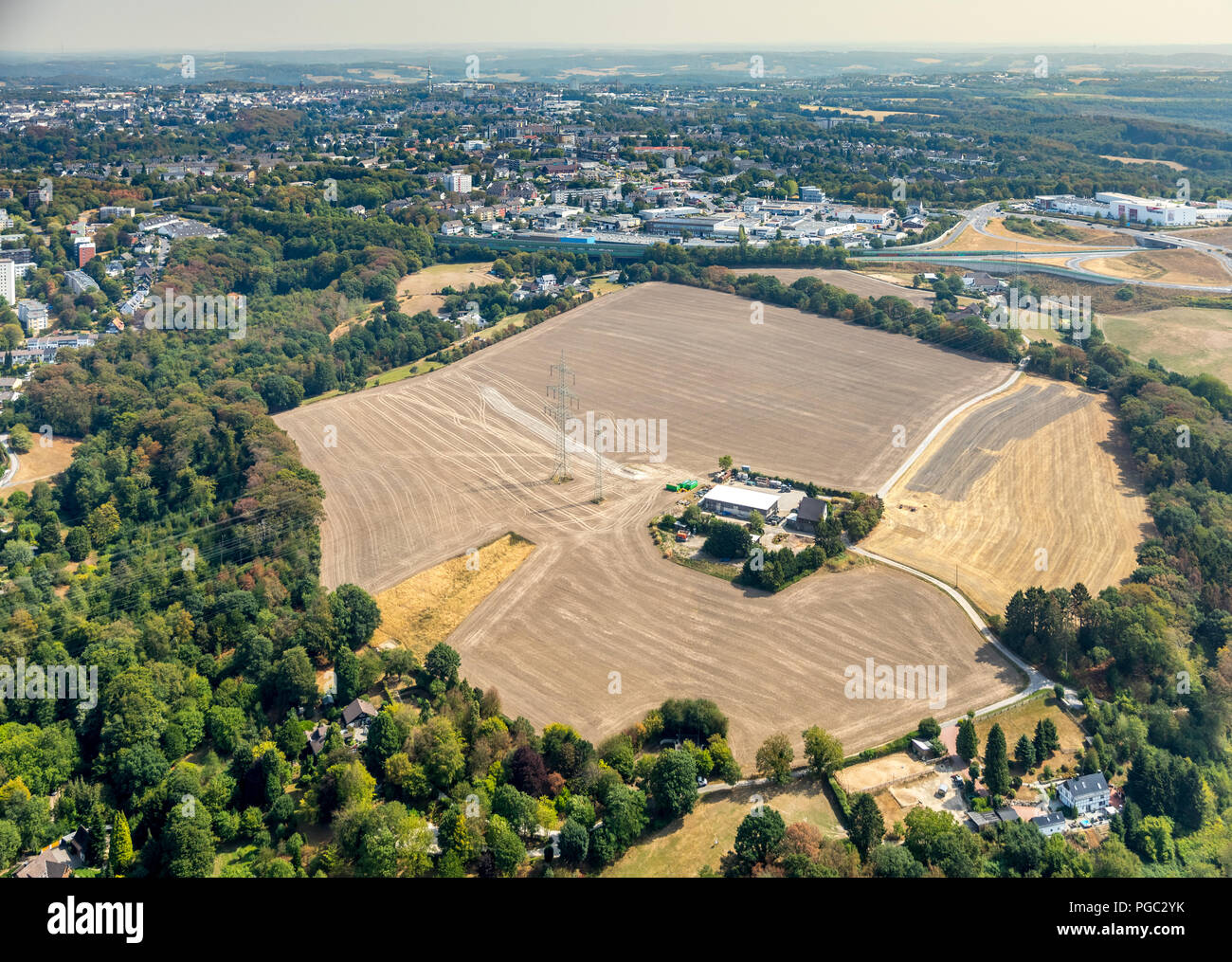Bare fields, early harvest due to drought and dryness next to the highway A44, here City border Ziwchen Velbert birth and Hetterscheidt, Brangerbusch, - Stock Image