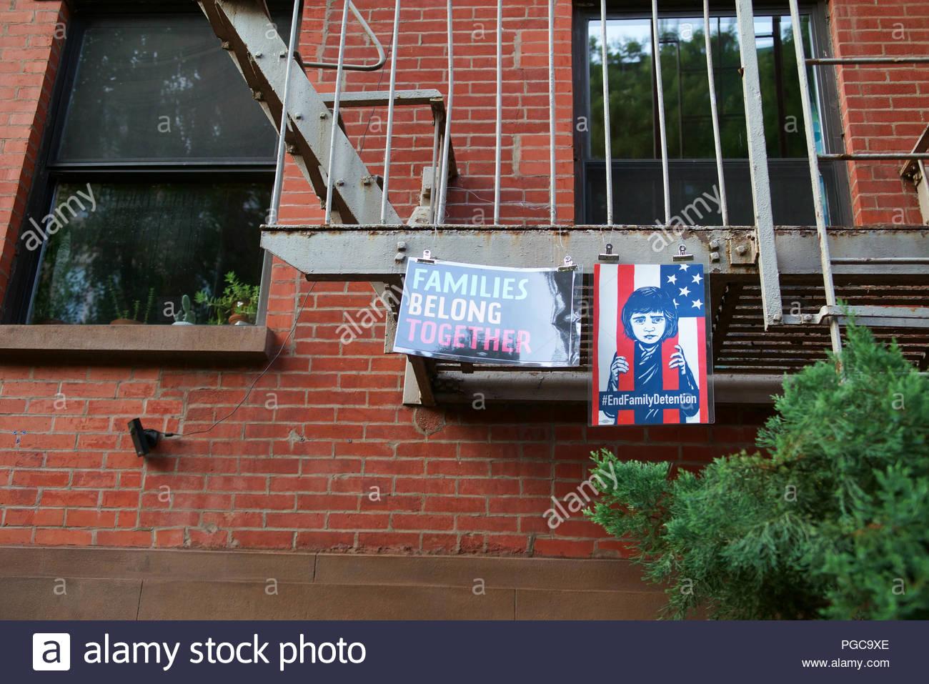 Signs protesting the Trump administration\'s zero tolerance ...