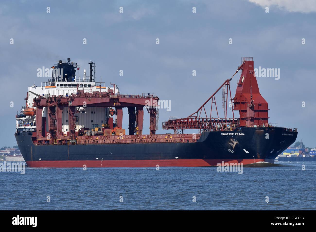 Self-Discharging Bulk-Carrier Bontrup Pearl Stock Photo