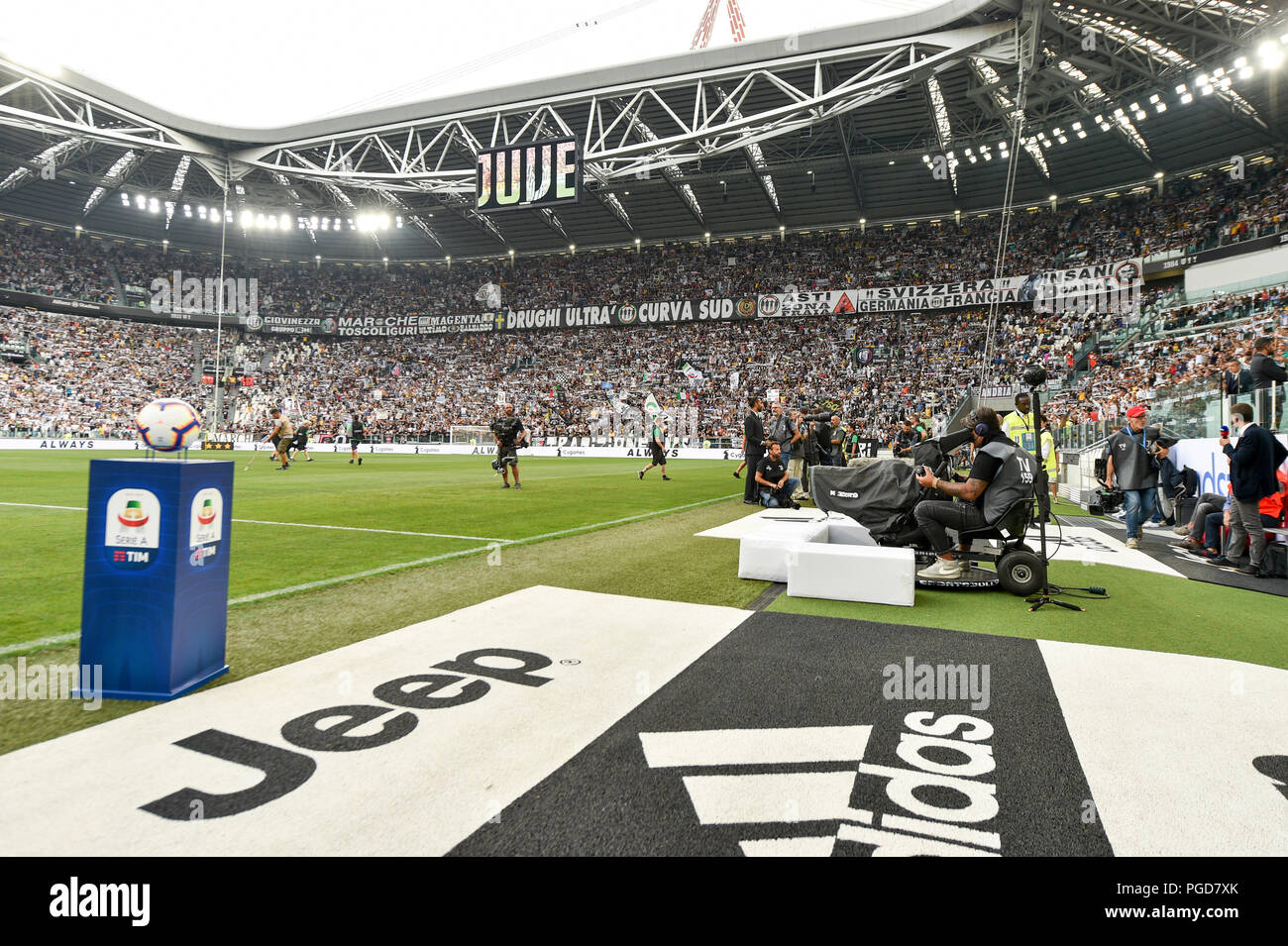 turin italy 25th aug 2018 juventus stadium during the serie a football match between juventus fc https www alamy com turin italy 25th aug 2018 juventus stadium during the serie a football match between juventus fc and ss lazio at allianz stadium on 25 august 2018 in turin italy credit antonio poliaalamy live news image216650523 html