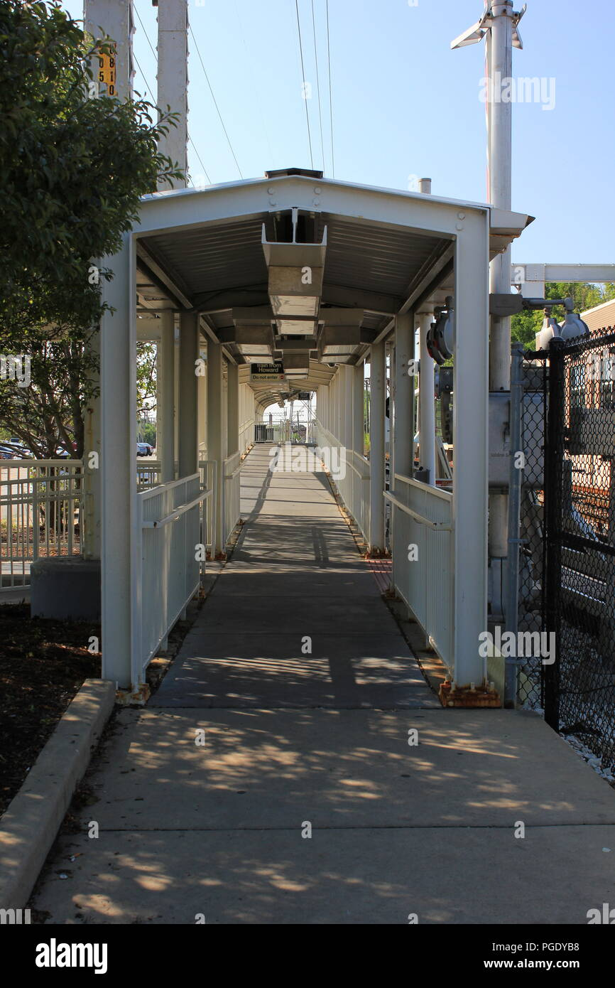 CTA Yellow Line Skokie Swift end of the line train station covered walkway at Dempster Street. Stock Photo