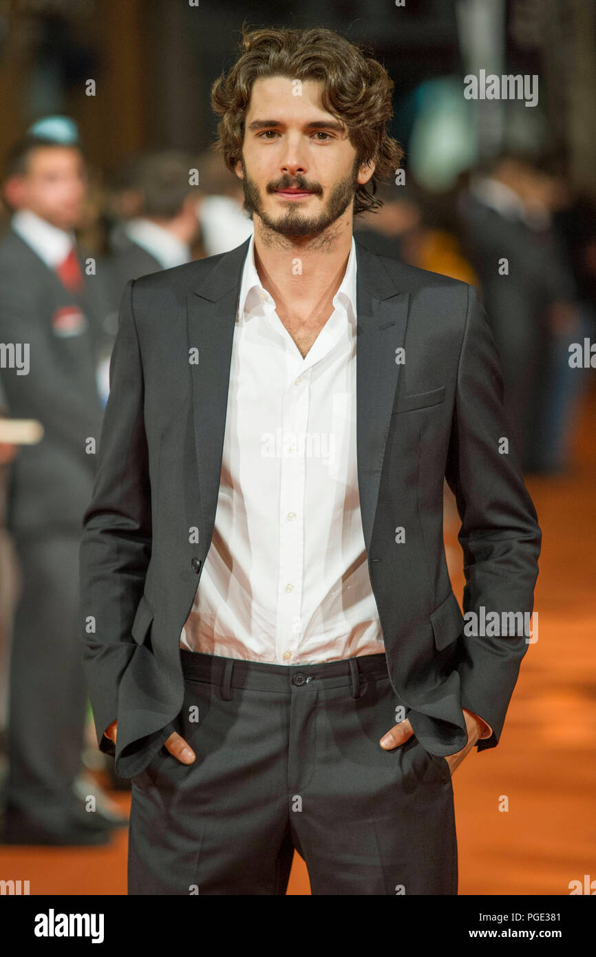 Spanish Actor Yon Gonzalez Poses For The Photographers On The Orange Carpet For To Present The Tv Serie Bajo Sospecha During Of 6th Festval Televisi Stock Photo Alamy Born yon gonzález luna on 20th may, 1986 in vergara. https www alamy com spanish actor yon gonzalez poses for the photographers on the orange carpet for to present the tv serie bajo sospecha during of 6th festval televisi image216668817 html