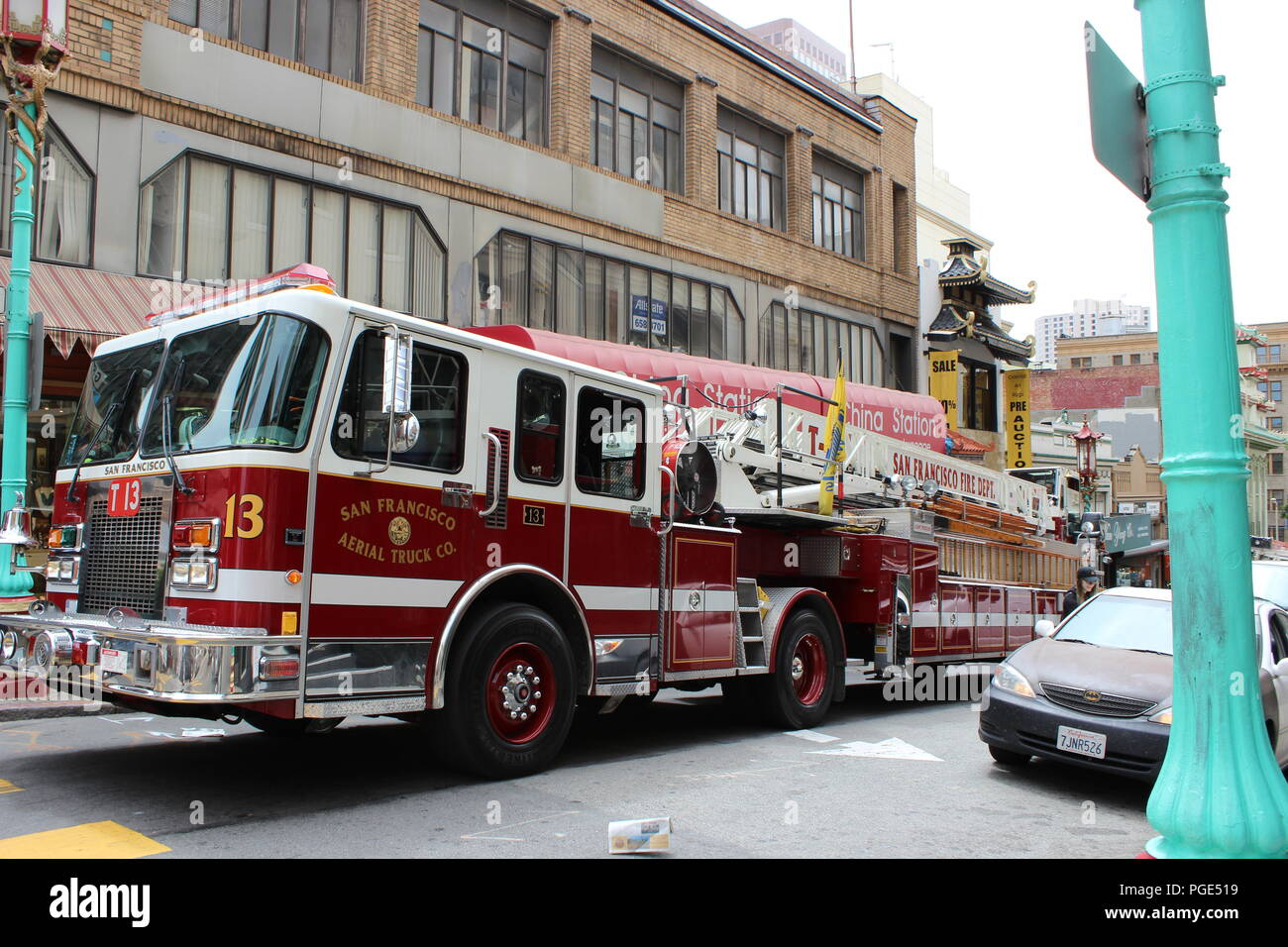 Aerial Ladder Stock Photos & Aerial Ladder Stock Images - Alamy