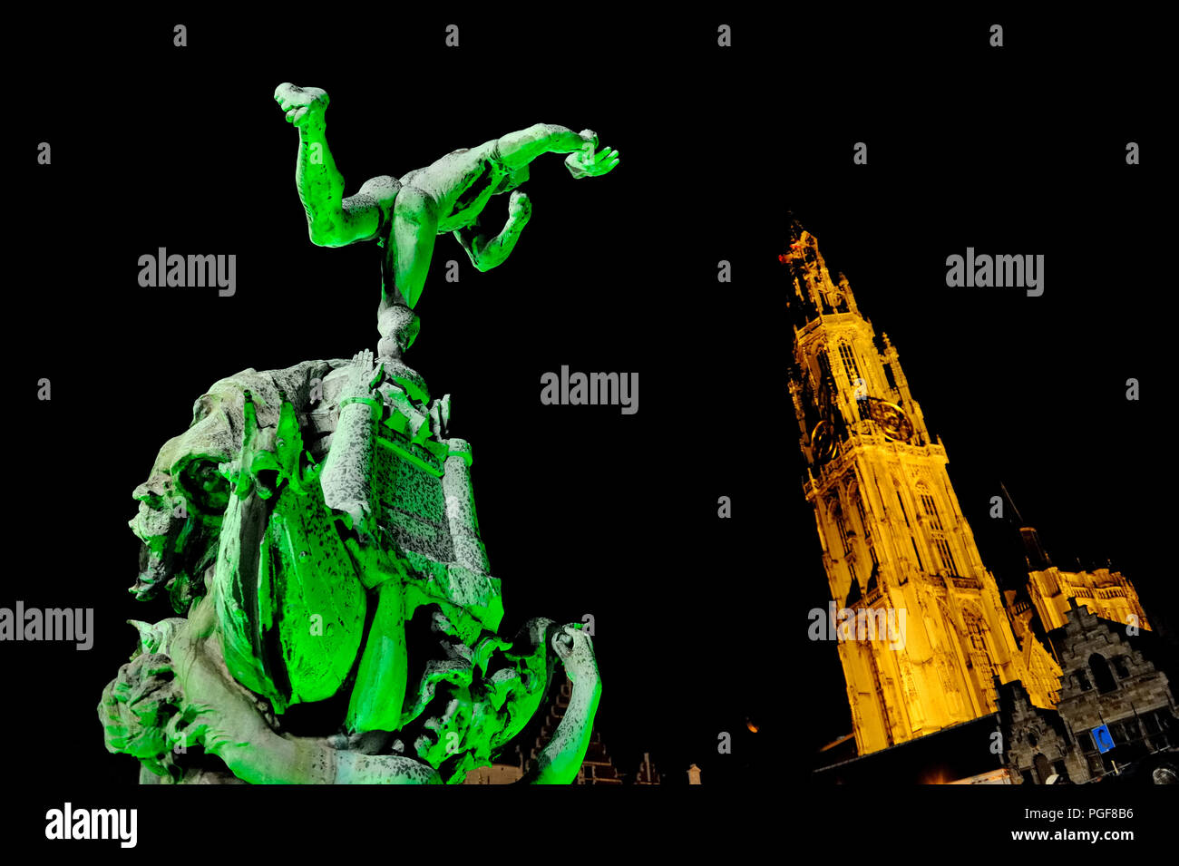 nieuw goedkoop gedetailleerde afbeeldingen op voet schoten van The Brabo statue and the Antwerp cathedral bathing in ...