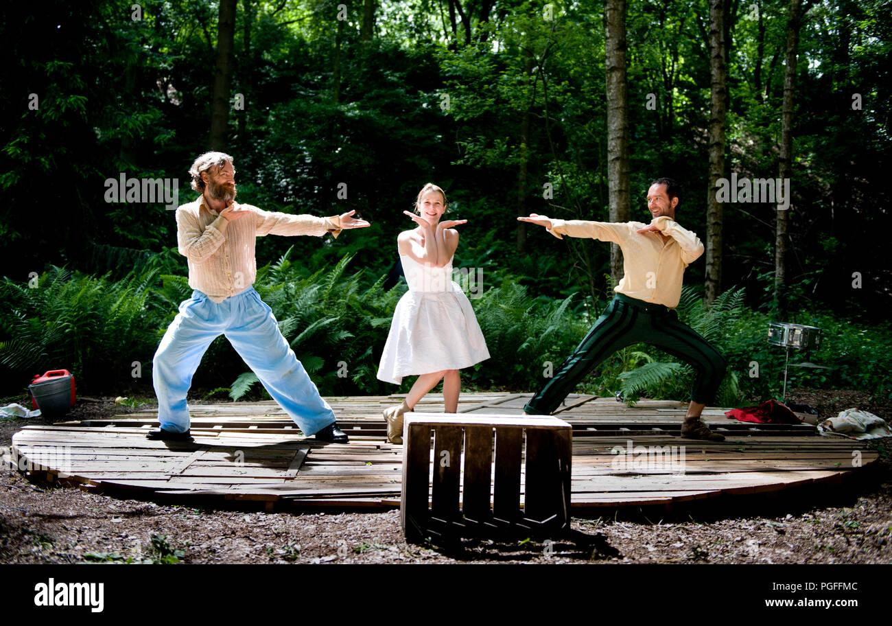 Theatre company Bloedgroep K & Defdef playing 'De Gebroeders' directed by Heidi De Feyter (Belgium, 16/06/2013) - Stock Image
