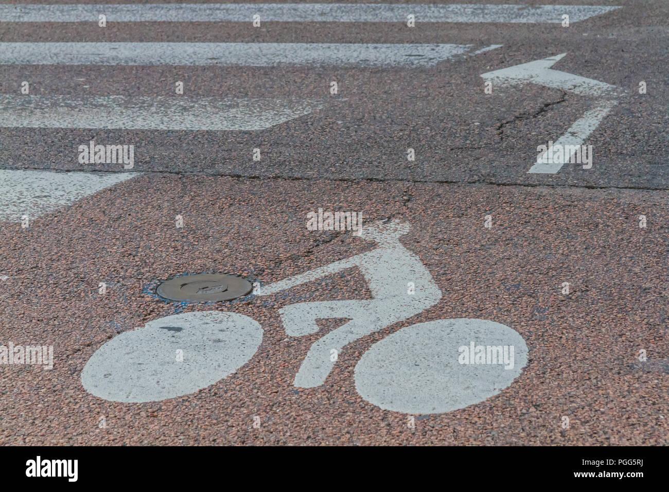 Francia, Regione della Borgogna, città di Digione: segnaletica orizzontale per ciclisti - Stock Image