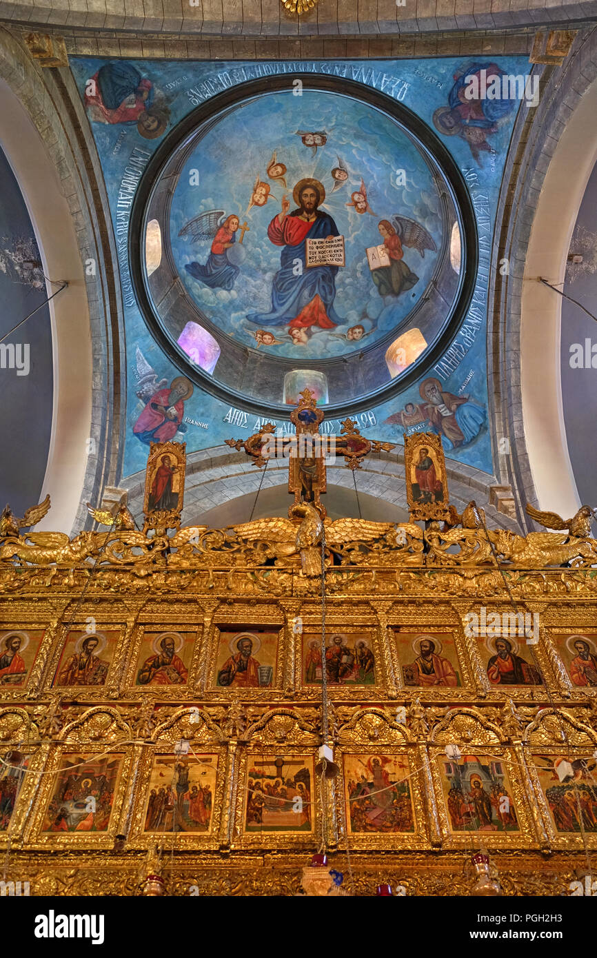 Iconostasis & dome of the Church of the Holy Cross, Pano, Lefkara, Cyprus. - Stock Image