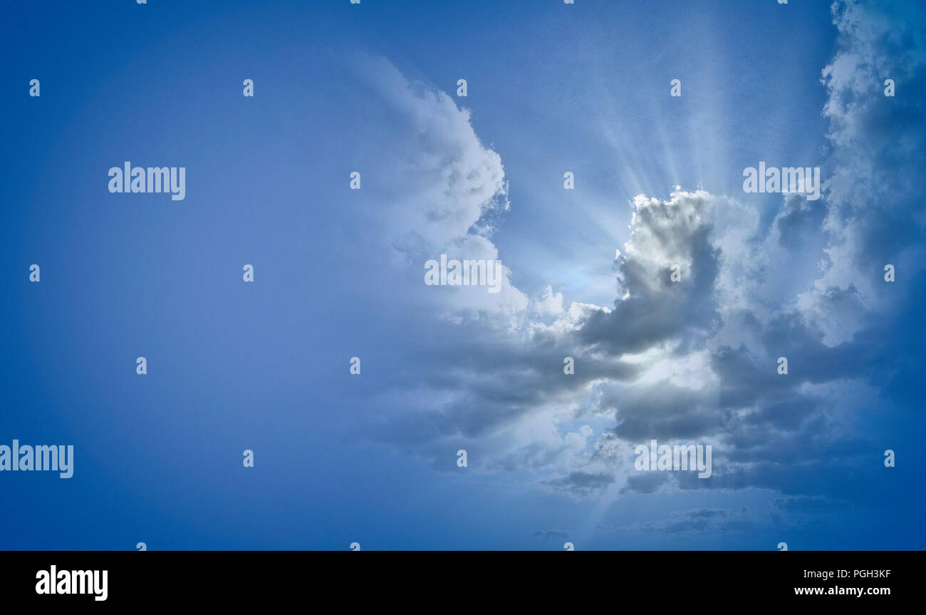 CONCEPT PHOTOGRAPHY: Dramatic cloud formation - Stock Image