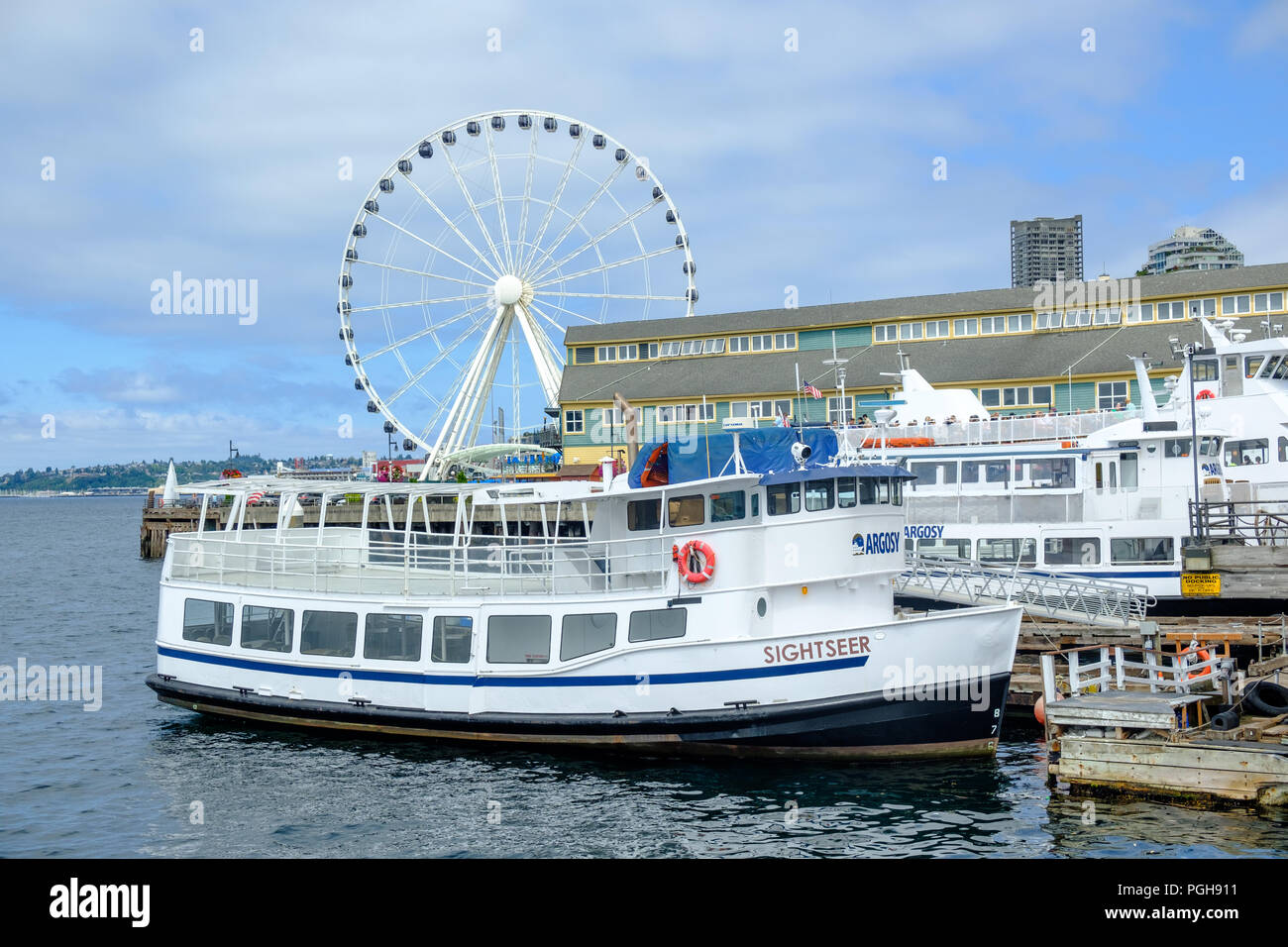 Sightseer boat on Seattle waterfront, USA - Stock Image