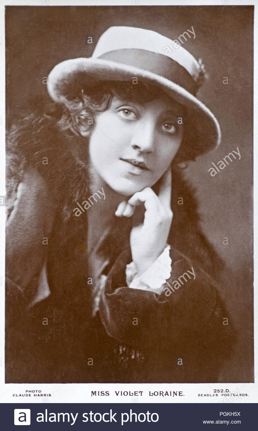 Violet Loraine portrait 1886 – 1956 was an English musical theatre actress and singer, vintage real photograph postcard from circa 1910 - Stock Image
