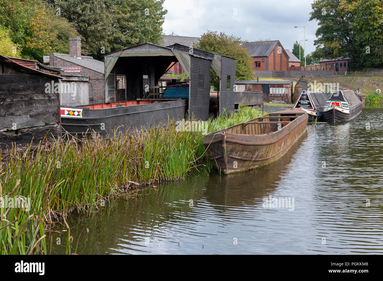 Old Barge On Dudley Canal - Stock Image