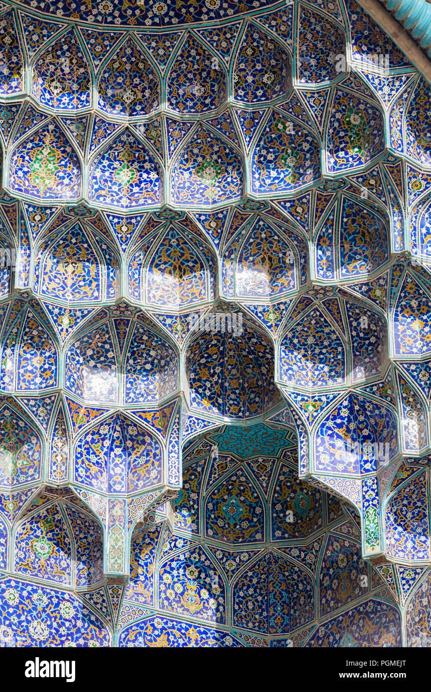 Honeycomb vault or muqarnas at Masjed-e Sheik Lotfollah, Sheik Lotfollah mosque, Esfahan, Iran - Stock Image