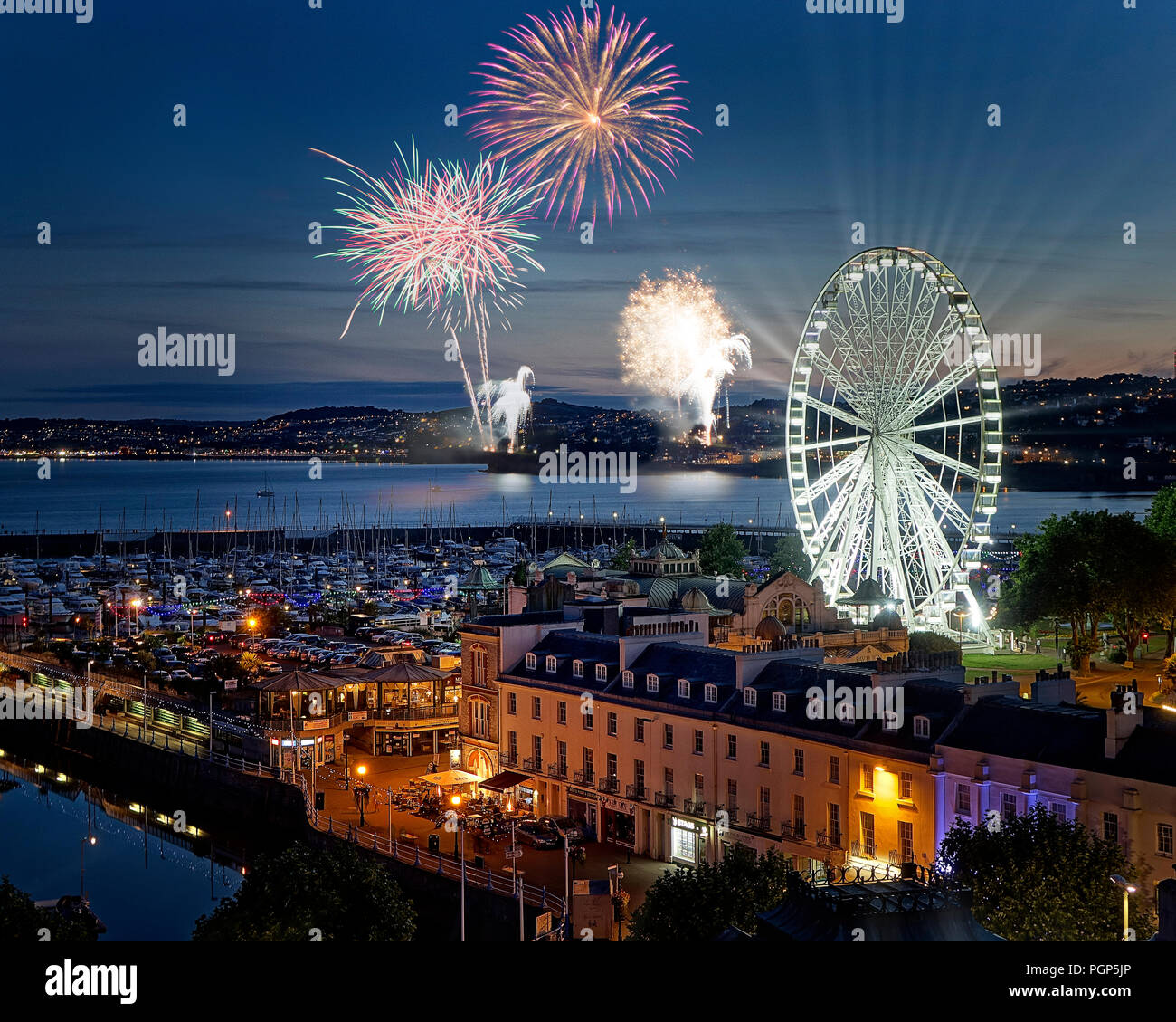 GB - DEVON: Fireworks over Torquay - Stock Image