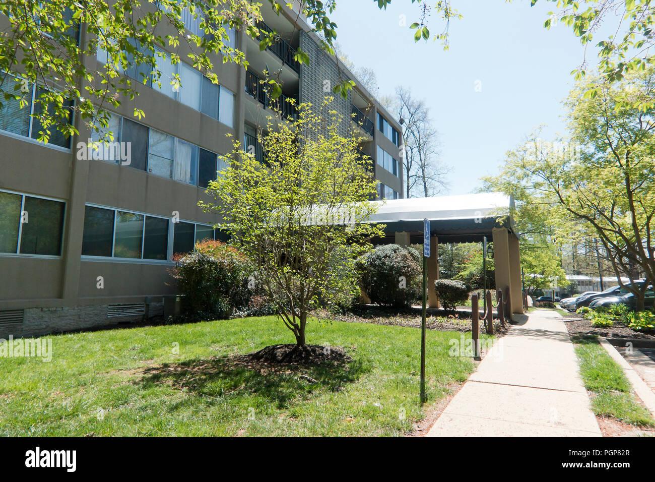 A mid-rise condominium building - Virginia USA - Stock Image
