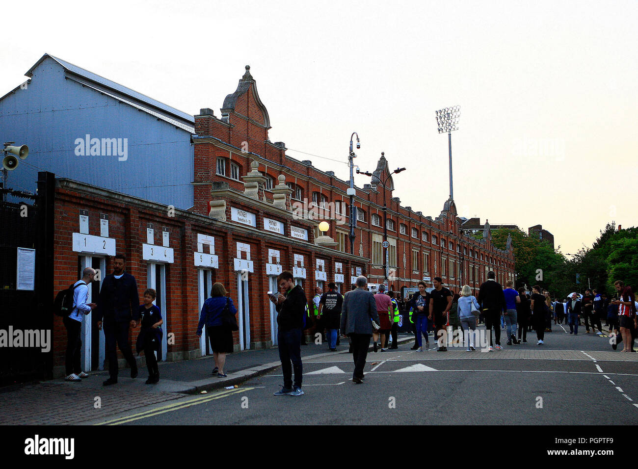 London, UK. 28th Aug 2018.General view of outside Craven Cottage ground prior to kick off. EFL Carabao Cup , 2nd round match, Fulham v Exeter city at Craven Cottage in London on Tuesday 28th August 2018.  this image may only be used for Editorial purposes. Editorial use only, license required for commercial use. No use in betting, games or a single club/league/player publications. pic by Steffan Bowen/Andrew Orchard sports photography/Alamy Live news - Stock Image