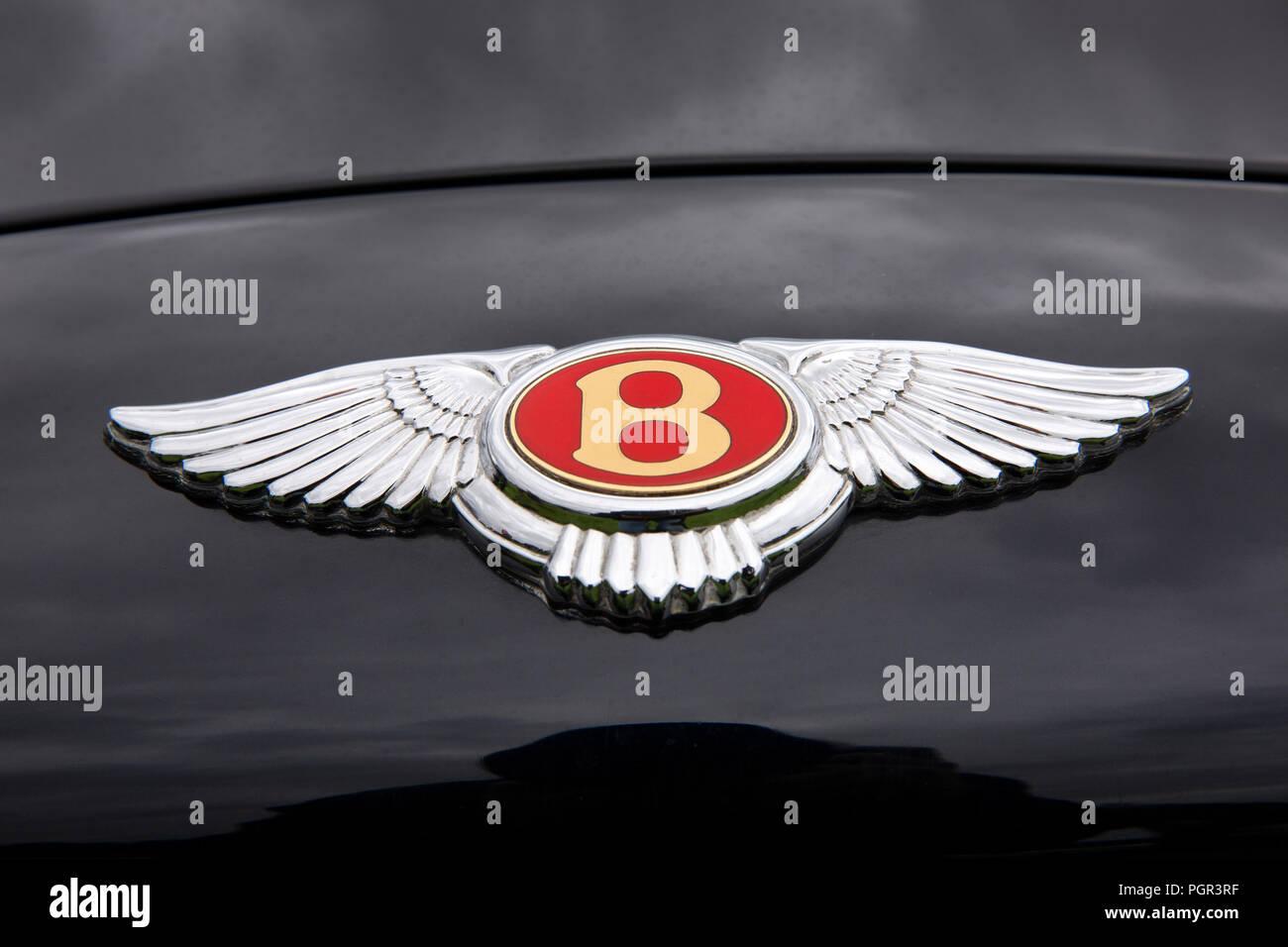 UK, England, Cheshire, Stockport, Woodsmoor Car Show, flying B badge on bonnet of Bentley Flying Spur car Stock Photo