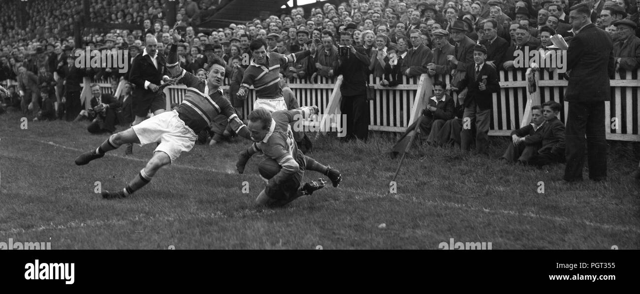 Classic rugby try 1950s panorama - Stock Image