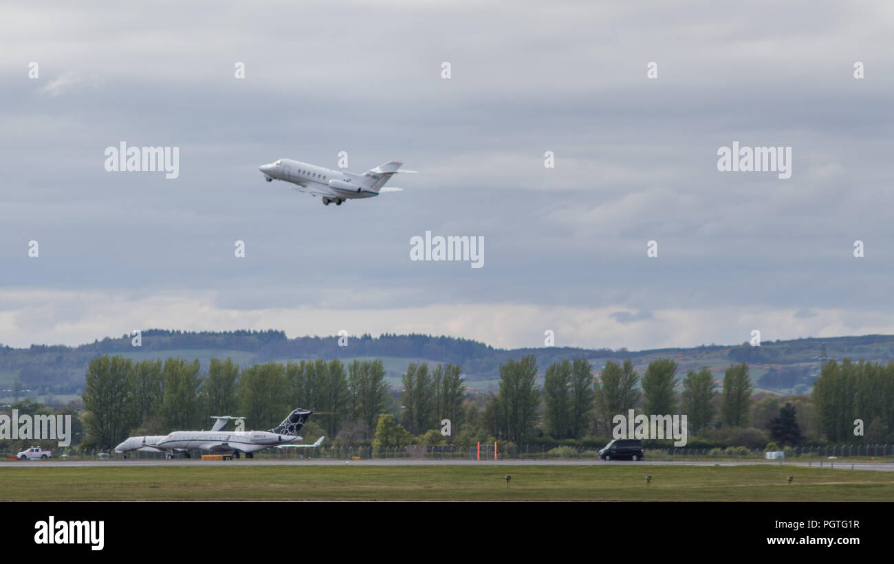 Business Jets arriving and departing, Glasgow International Airport, Glasgow, 28th April 2017 - Stock Image