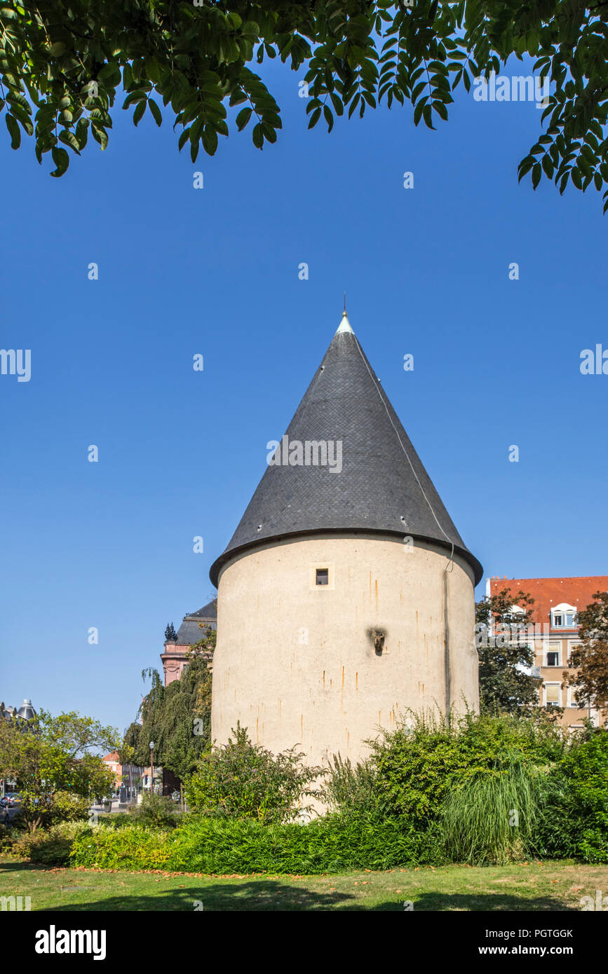 Tour Camoufle, 15th century cylindrical artillery tower in the city Metz, Moselle, Lorraine, France - Stock Image