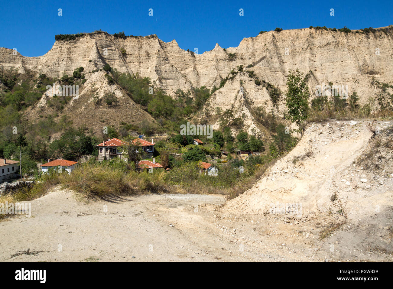 Sand pyramids and Panorama to town of Melnik, Blagoevgrad region, Bulgaria - Stock Image