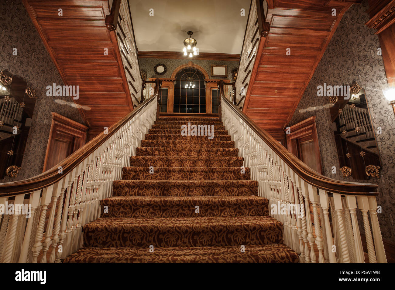 Stairway in the historic Stanley Hotel in Estes Park, Colorado. The Hotel was noted to be the inspiration for Stephen King's novel 'The Shining' - Stock Image