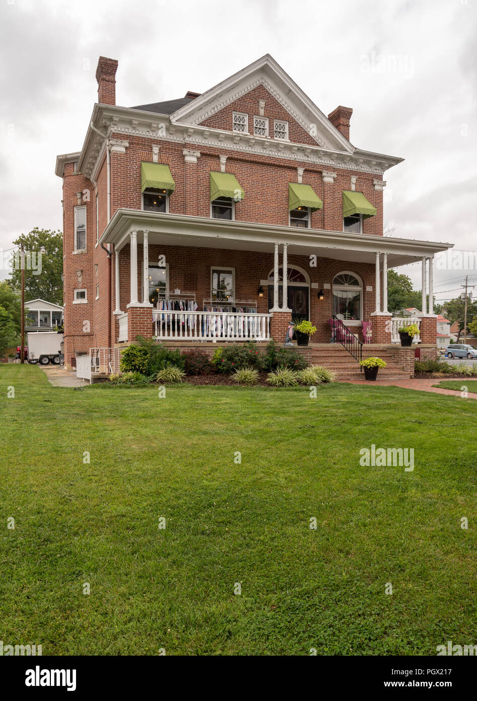 Large house set back from North Braddock St in Winchester VA - Stock Image