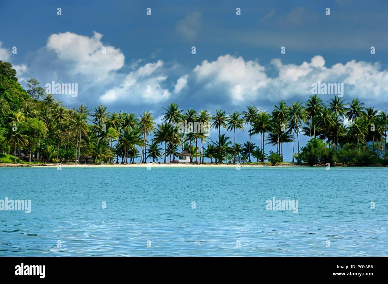 Koh Ngam beach, Koh Ngam island, southern tip of the Koh Chang island, Thailand. - Stock Image