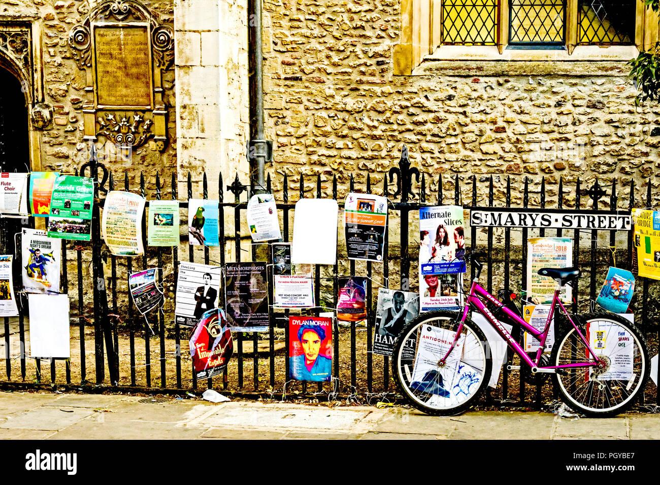 Cambridge (England, Great Britain): Advertisements for students; Werbung für Studenten - Stock Image