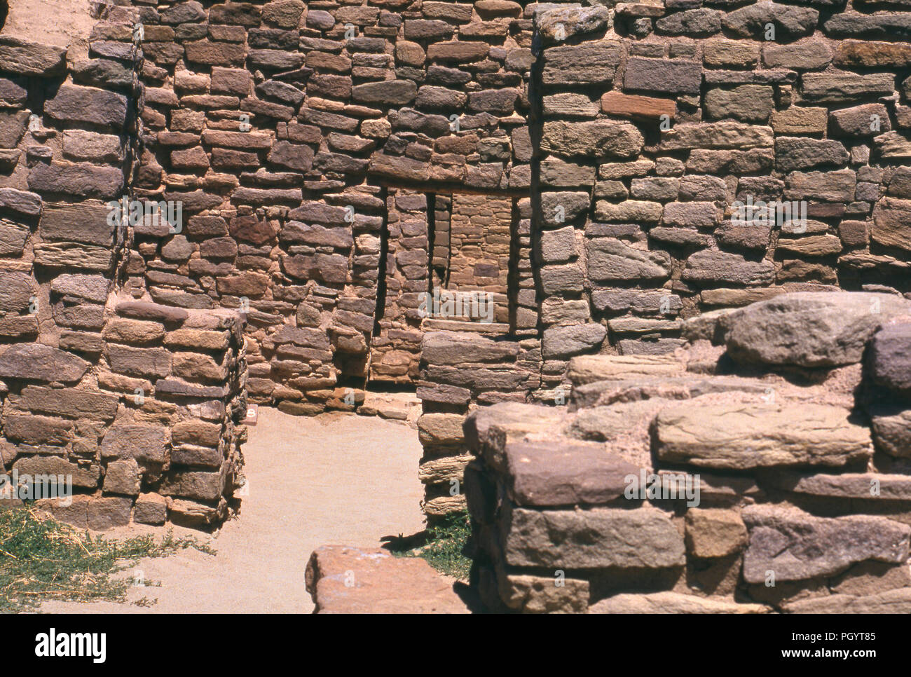 Ancestral Puebloan/Anasazi ruins, Aztec National Monument, New Mexico. Photograph - Stock Image
