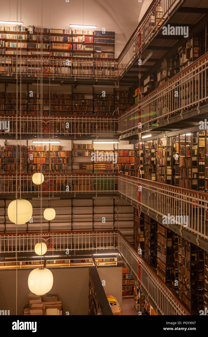 Royal Danish Library, The Black Diamond library, Designed by architects Schmidt Hammer Lassen, Slotsholmen, Copenhagen, Denmark. Stock Photo