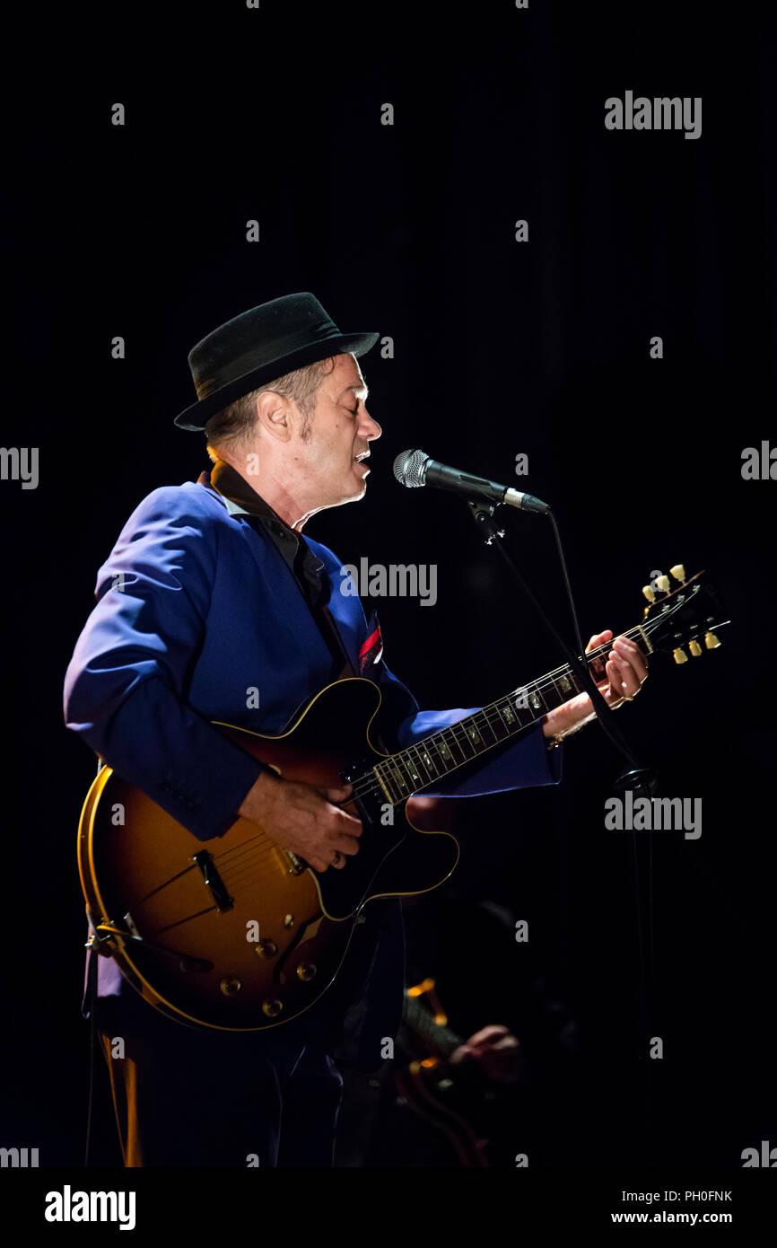 Barcelona, Spain. 25th Agust, 2018. Concert by Juan Perro in Teatre Coliseum. Festival Mas i Mas. Photographer: © Aitor Rodero. - Stock Image