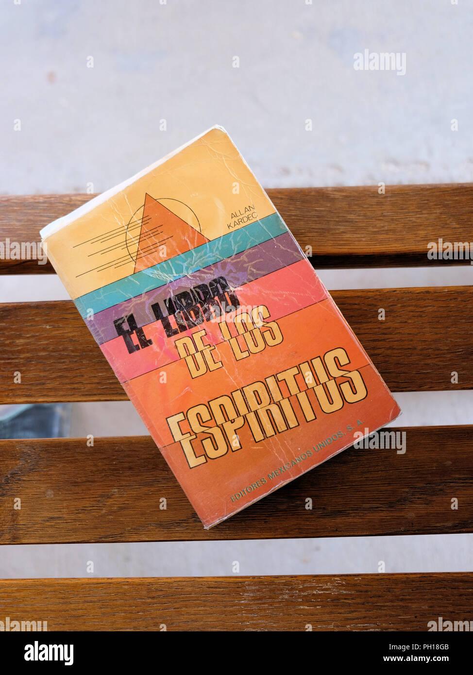 Spanish version of Allan Kardec's The Spirits' Book published by Editores Mexicanos Unidos in 1990 as El Libro de los Espíritus. Stock Photo