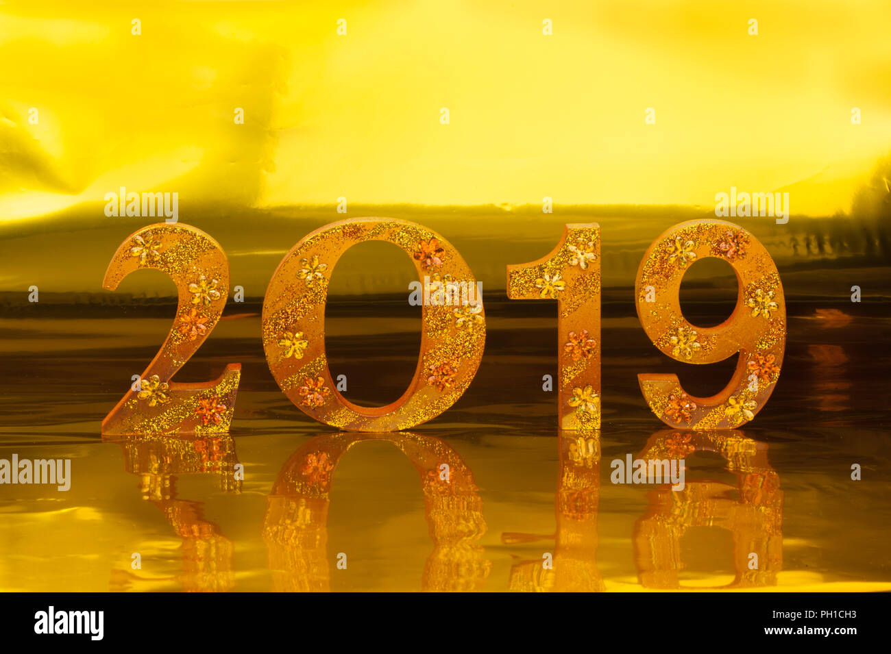2019 is made in gold color place in golden background is - Lucky color of the year 2019 ...