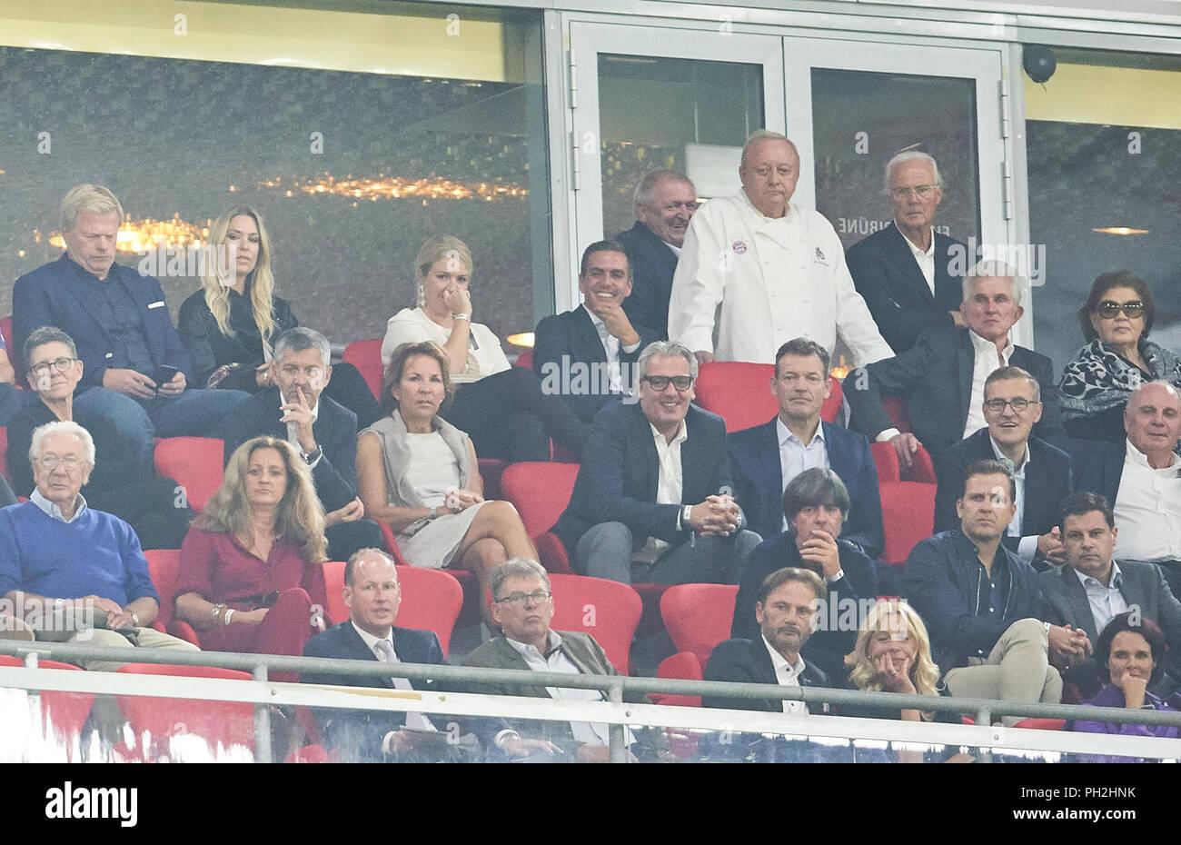 Munich, Germany. 28th August 2018. FC Bayern Munich - Chicago Fire Soccer, Munich, August 28, 2018 Oliver KAHN with his wife Svenja, Herbert HAINER, former CEO Adidas, Karl-Heinz RUMMENIGGE (CEO, Vorstandsvorsitzender FCB AG), President und chairman Uli HOENESS (FCB), Jan-Christian Dreesen , managing financial director FCB, Andreas JUNG, Marketing director and board member FCB, Joerg WACKER, managing director international affairs, manager, officer,  DFB headcoach Joachim Jogi LOEW, LÖW,Oliver BIERHOFF, Manager, Teammanager DFB, Jupp Heynckes, former FCB coach with his wife Iris,  Philipp LAHM - Stock Image