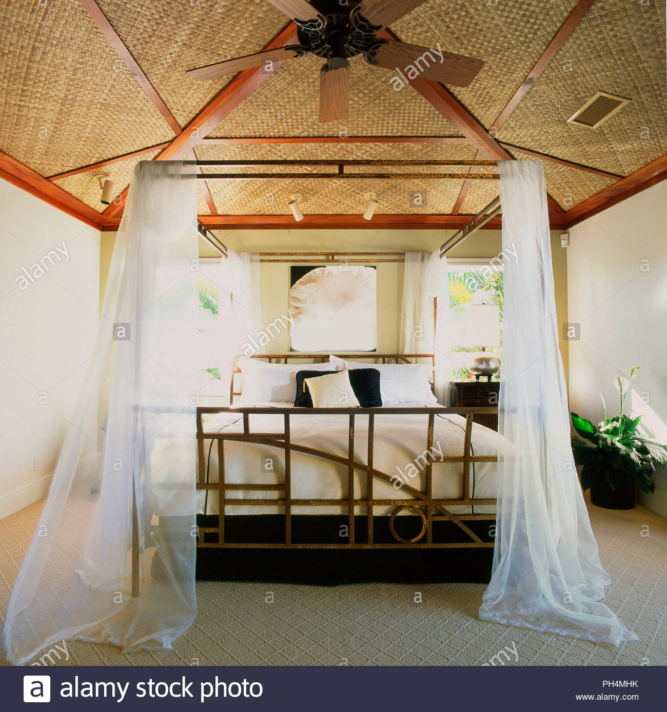 Four poster bed - Stock Image