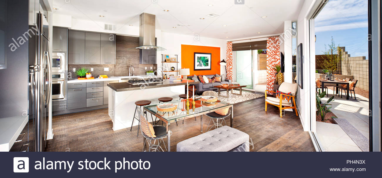 Modern kitchen and dining room - Stock Image