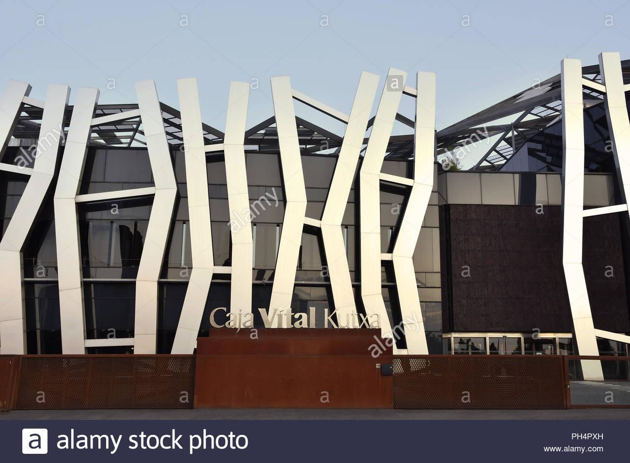 Caja Vital Kutxa bank - modern building exterior steel facade cladding. Designed by Mozas Aguirre architects in Vitoria-Gasteiz Spain Europe. - Stock Image