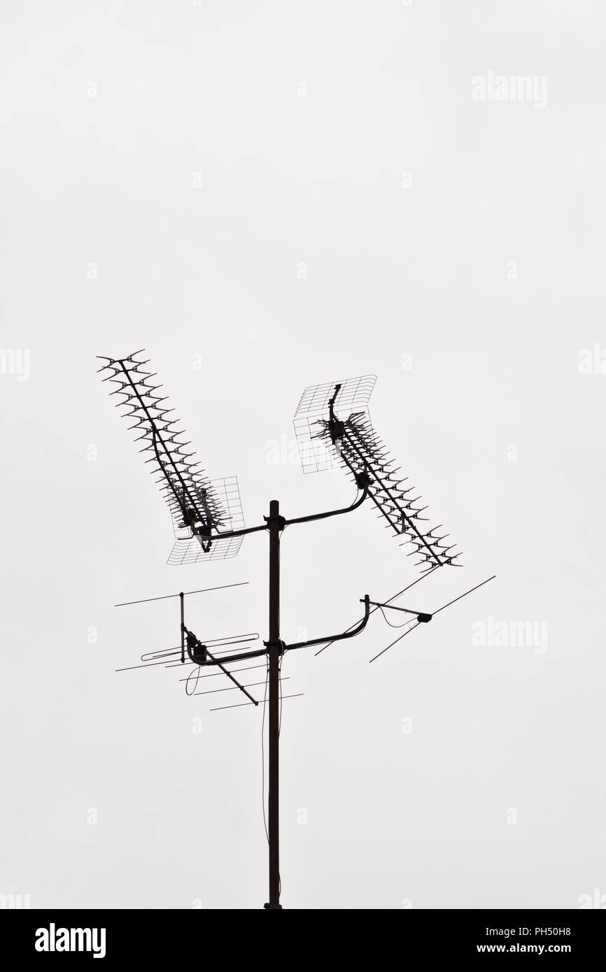 Yagi Tv Antenna Wiring Diagram Schematics Diagrams Amplifier Television Outdoor Isolated Stock Photo 217083812 Alamy Rh Com Digital Installation Direct For A Rv
