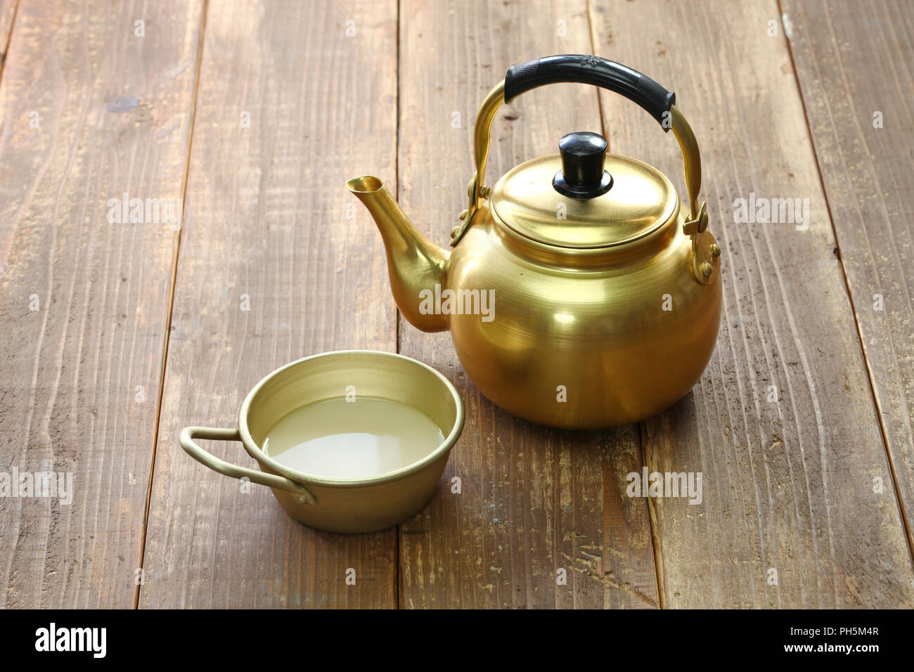 Korean Rice Wine Makgeolli Stock Photo Alamy