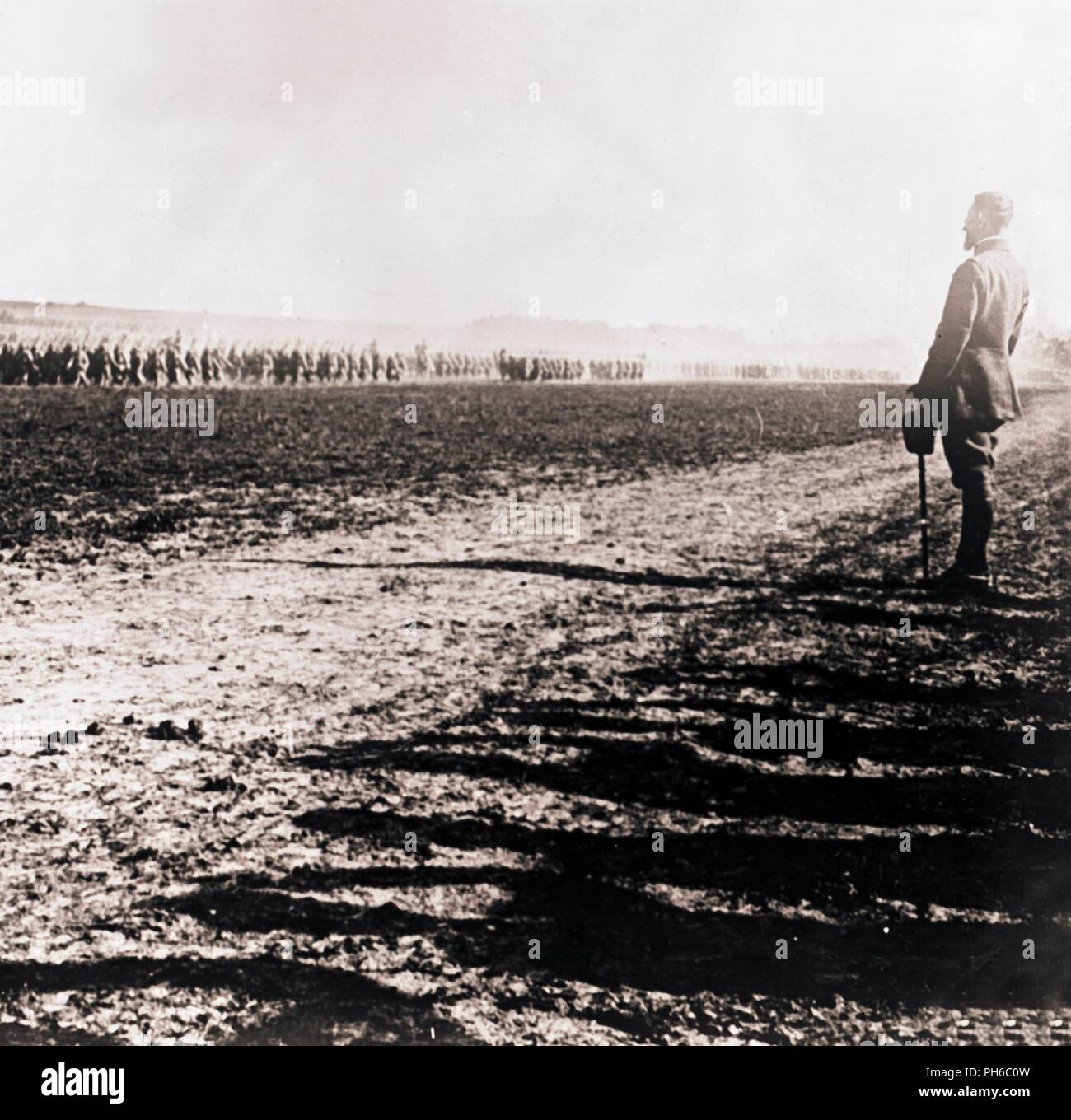 General Henri Gouraud surveying field of troops, c1914-c1918. French general Henri Joseph Eugène Gouraud (1867-1946), best known for his leadership of the French Fourth Army at the end of the First World War. Photograph from a series of glass plate stereoview images depicting scenes from World War I (1914-1918). - Stock Image